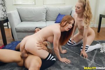 Горячий секс с двумя шахматистками